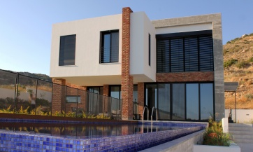 TWO STORY HOUSE IN PALODIA